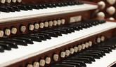 Cyklus organových koncertov pod pyramídou 2016