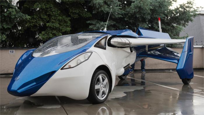 Успешная презентация словацкого аэромобиля продолжается