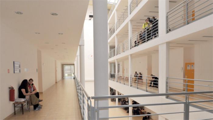 Otázka spoplatnenia vysokého školstva