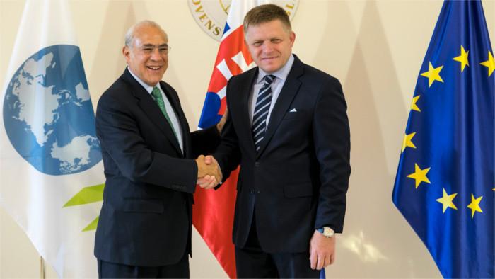 OECD дает высокую оценку словацкой экономике