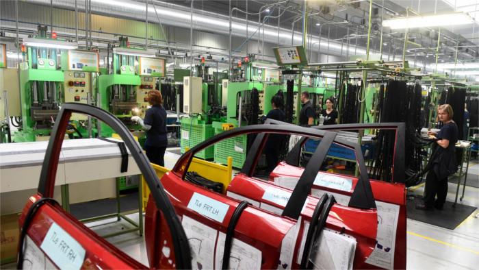 Cuatro compañías que producen componentes para el sector automovilístico prevén ampliar su producción