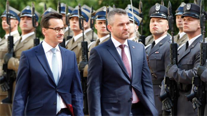 Premier Pellegrini besucht Polen