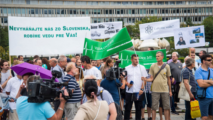 Slovak Academy of Science in dire straits, warn protesting scientists