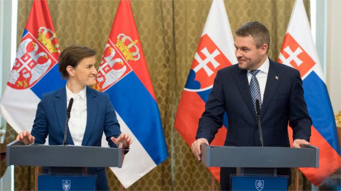 La primera ministra serbia se encuentra de visita en Eslovaquia