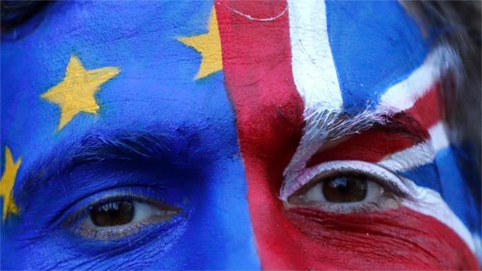 Brexit dominuje summitu európskych lídrov
