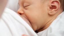 Výstava fotiek Dojčenie je in