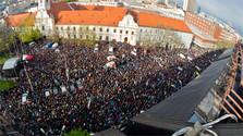 Tausende Jugendliche bei Marsch gegen Korruption