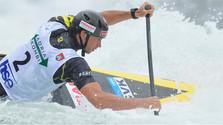 Успех водного слаломиста А. Слафковского на канале в Тацене