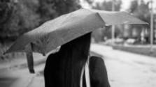 Katarína Gillerová: Kroky v daždi