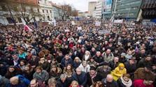 Folytatódnak a tüntetések
