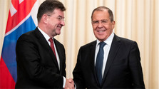 Foreign Affairs Minister meets Russian counterpart Sergei Lavrov