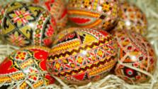 Tradičné maľovanie vajíčok