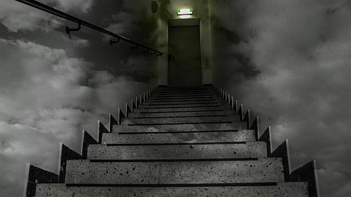stairs-1564112_1920.jpg