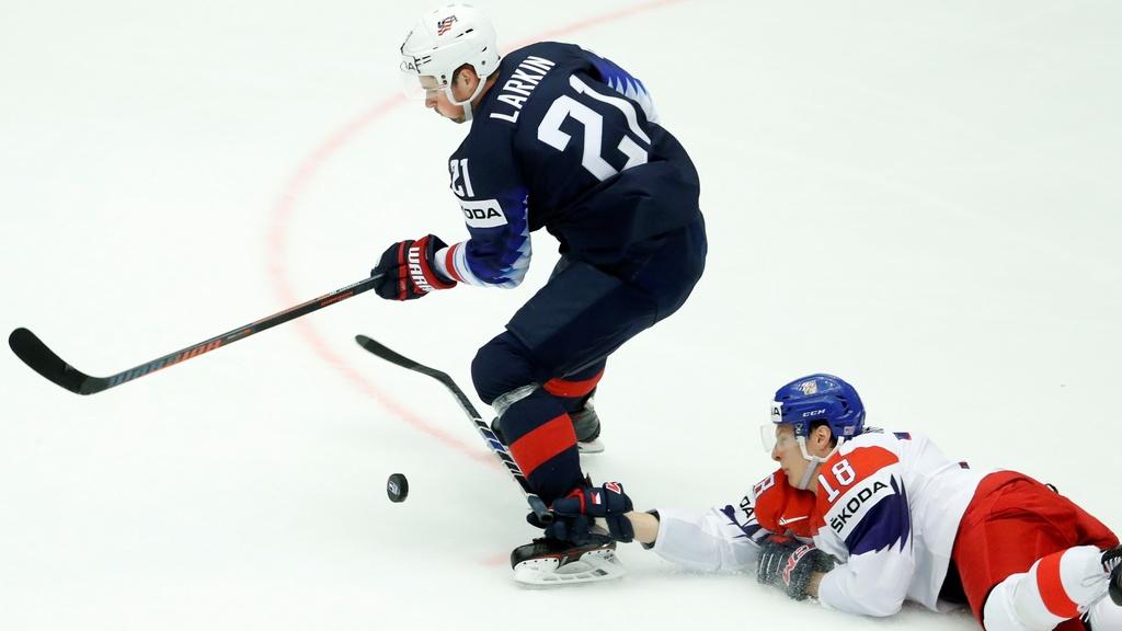 USA zdolali Česko 3:2 a postúpili do semifinále