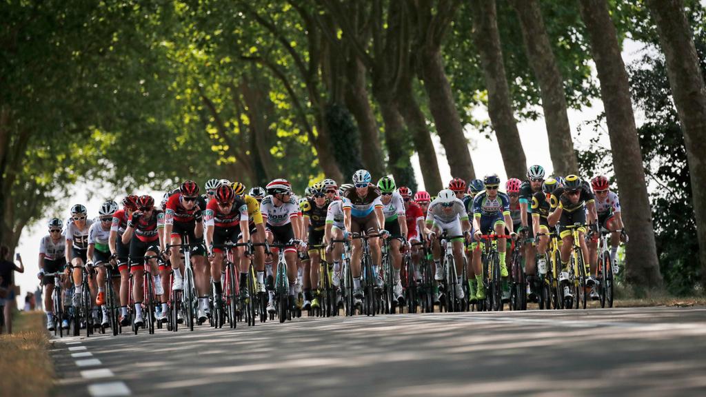 Sagan skončil v siedmej etape tretí, udržal si zelený dres (VIDEO)